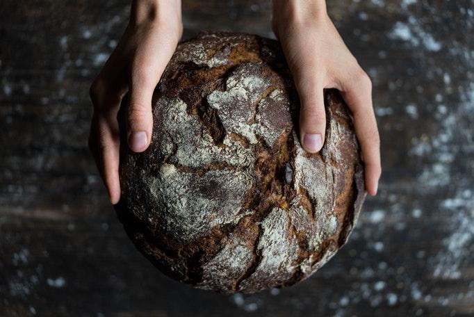 パンを作ってる様子
